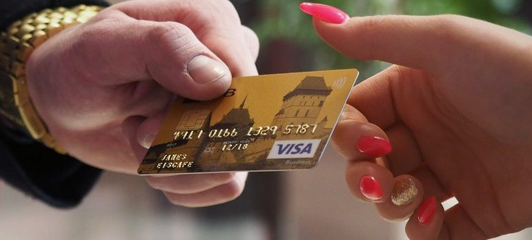 tip movers in Ottawa but pay for the service with a credit card