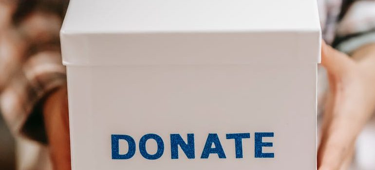 Box on which writes donate